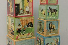 Objet de mémoire : jouet pour enfant - cubes gigognes